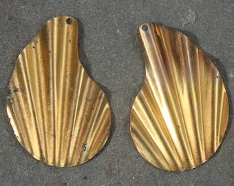 6 Brass vintage retro shape findings