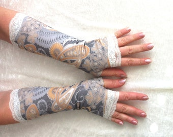 """Sale gloves Ready to ship Fingerless gloves   vintage gloves  gloves with lace Size M Length -12"""""""
