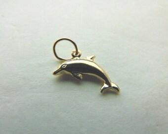 Womens 10K Gold Dolphin Pendant 0.5g E1081