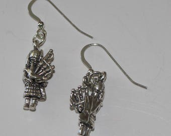 Sterling Silver BAGPIPER Earrings - 3D -  Music, Instrument, Celtic, Irish, Scottish