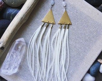 Brass jewelry. Geometric jewelry. Feather earrings. Festival fashion. Statement earrings. Gypsy jewelry. Boho jewelry. Feather jewelry.
