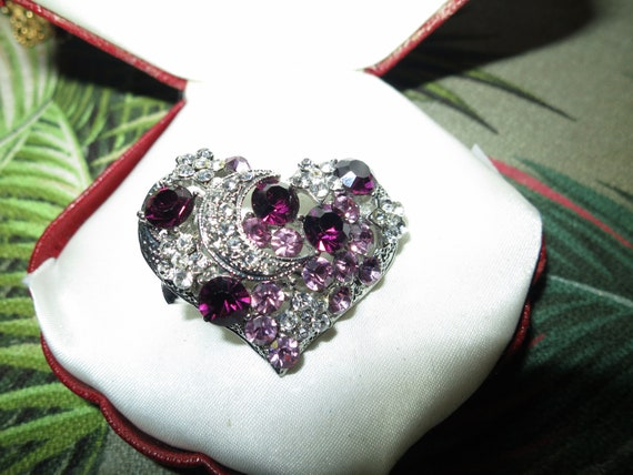 Beautiful vintage silver metal amethyst rhinestone   glass heart brooch