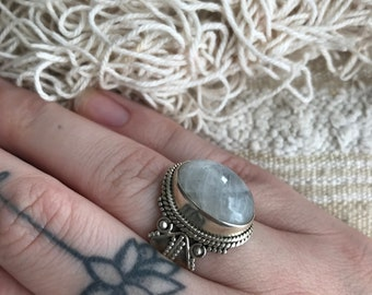 Sterling silver ring with moonstone size 18,5