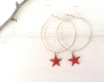 Earring circle with colored enamel star