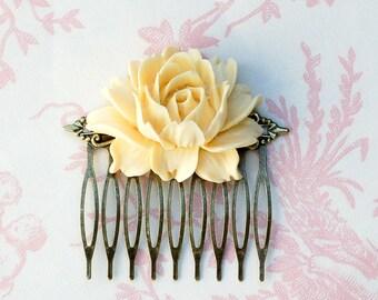 Rose Hair Comb Cream Rose Hair Clip Ivory Rose Hair Comb Bridal Headpiece White Rose Wedding Hair Comb Ivory Flower Hair Comb Gift for Her