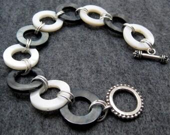 Beaded Bracelet - Black and White Shell by randomcreative on Etsy