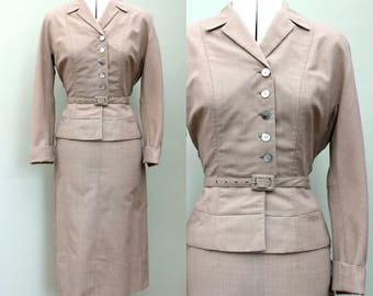 Vintage 1940s 40s Beige Ladies Three Piece Skirt Suit Fitted Jacket Belt Tailored Detail Late 1930s 30s UK 10 8 small US 6 8 hourglass pinup