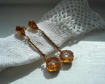Vintage Topaz Crystal Faceted Glass Rhinestone Gold Dangle Pierced Earrings