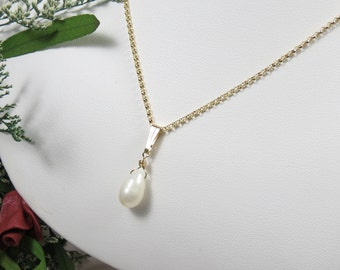 Freshwater Pearl Pendant Necklace, Bridal Pearl Necklace, White Pearl Necklace, Pearl Necklace In 14K Gold Filled, Keira's Crystal Creations