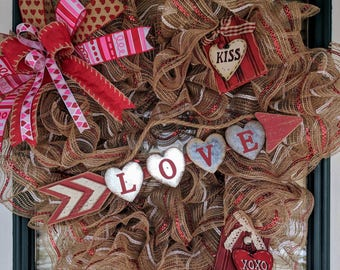 Love-Valentine's Day Heart-Shaped Mesh Wreath