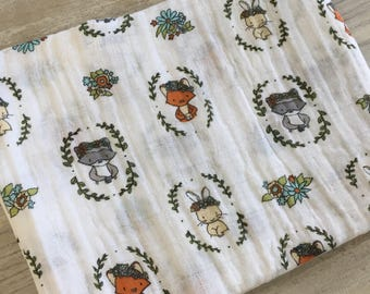 The blanket, muslin cotton, small forest animals