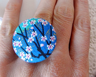 Adjustable ring in blue floral fabric