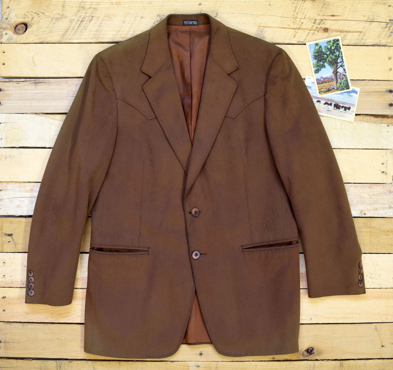 Men's 38 FIORAVANTI for Brookfield Vintage 70s Camel Tan Ultrasuede Western Suit Jacket Arrow Pockets Cowboy Blazer Sport Coat AW0MRb4