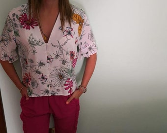Fancy cotton shirt with comfortable fuchsia and blue trousers