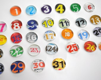 SMALL- 31 number magnet or push pin set - made from recycled magazines, 2018 perpetual calendar, teacher, organize, back to school