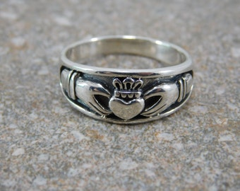 Mens Claddagh Ring / Free Engraving Mens Heavy Sterling Silver Claddagh Ring / Promise Ring / Engagement Ring / Friendship Ring