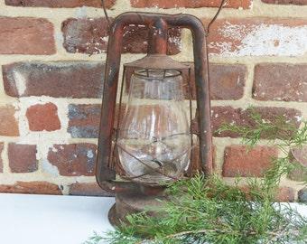 Rustic Red Large Kerosene DIETZ Lantern
