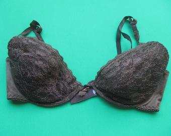 Woman's Bra - dark Brown - Underwire - size 36C - vintage Lingerie - V shape - padded - lace