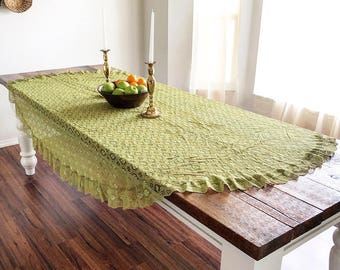 Vintage Bright Green Floral Lace Tablecloth with Gathered Scalloped Edging