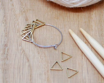 10 triangle stitch markers for knittting, solid stitch markers, no snag markers, lace stitch markers, sock stitch markers