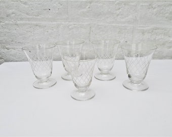 French antique wonderful series of 5 engraved wine glasses from the 50s