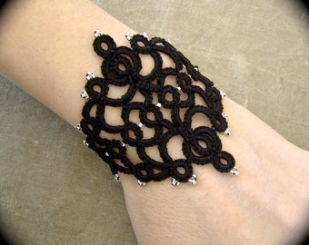 Tatted Lace Cuff Bracelet - Royal Diadem
