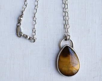 Sterling Silver and Tiger Eye Pendant/ Tiger Eye Jewelry/ Gift for her / handmade necklace / Silver necklace / Silver Jewelry