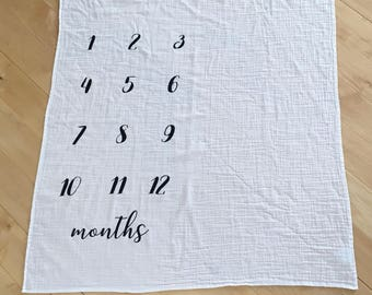 Milestone Blanket, Monthly pictures, Newborn photos, Photography Prop, Muslin Swaddle, Muslin blanket, Photo Blanket, Month Baby Blanket