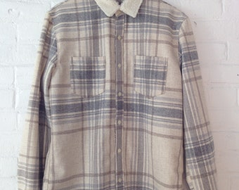 Gray and Beige Wool Plaid Buttondown with Sherpa Collar // Medium