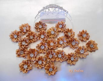 5 x small beige flowers, satin, with Rhinestones.