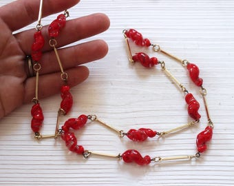 SALE Vintage red glass twist necklace