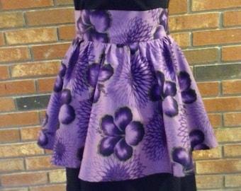 Vintage Cute and Flirty 1980's lavendar-purple hostess apron