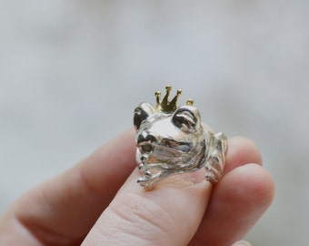 Frog Prince Ring - Alternative Engagement Ring - Fairytale Proposal Ring - Animal Jewelry Fairytale - Frog Prince Jewelry - Statement Ring