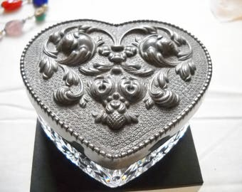 Glass Trinket Box Heart Shaped Pewter Puffy Lid Lidded Glass Box Pressed Glass Heart Box Ring Candy Box Vintage Collectable Glass