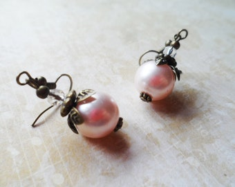 FREE SHIPPING! Vintage inspired brass earrings with petals and pale pink glass pearls, vintage and nature inspired jewelry, Selma Dreams