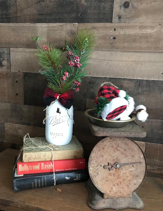 Farmhouse Christmas, Farmhouse Holiday, VIntage Christmas, Christmas Mantle, Christmas Home Decor, Christmas Farmhouse, White Christmas