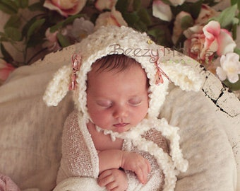 Newborn Lamb Bonnet, Baby Lamb hat, Baby Sheep Hat, Baby Easter hat - photo prop