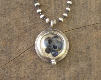 star - the sapphire button necklace