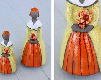 Vintage 60s Mid-Century Modern Jie Verk Stad SWEDEN Elsi Bourelius Flower Holding Lady Ceramic POTTERY Gantofta Bud Vases Figurine Vase Set