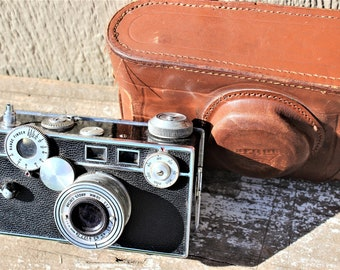 Vintage 1940's Argus Cintar Camera w/ Leather Case