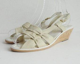 Ivory 70s Vintage Leather Slingback // Wedges // Rosetta // Size 38 // Made In Italy