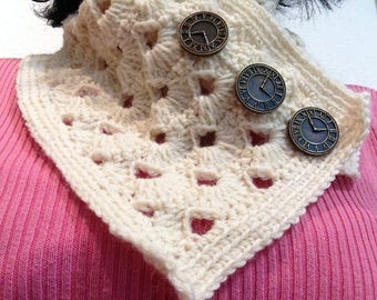 Crochet wool cowl, cowl with button, creme cowl