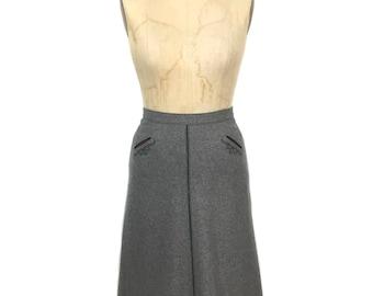 vintage 1970's Austrian skirt / a-line skirt / gray / wool blend / Octoberfest Oktoberfest / women's vintage skirt / size small