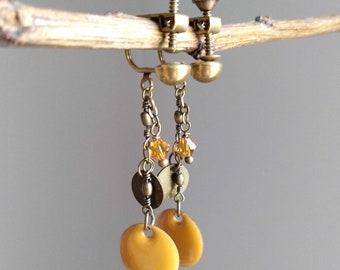 Clip / pierced ear Bohemian yellow and bronze