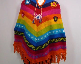 Poncho hooded sharp colorful Peruvian. Wool knit embroidery. Fringes. Applied flowers. 1970 Perou.etnique wool