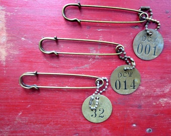 Vintage tool tags Metal number tags Old brass number tags Numbers 001 014 32 Brass locker tag Tool tags Brass faucet handle tags Old tags #5