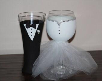 Custom Painted Wine Glass Set - Painted Bride and Groom Wedding Set - Unique Wedding Gift - Custom Wedding Gift Set