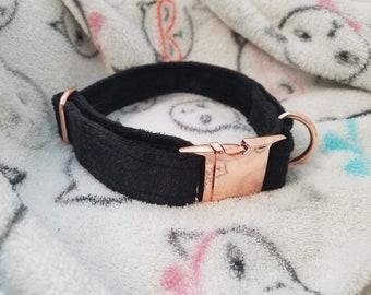 Black velvet and rose gold buckle collar