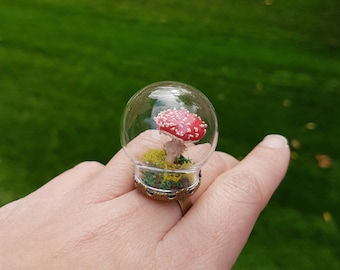 Little Toadstool terrarium ring - Nature display - Made to order