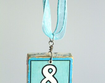 Eight block necklace